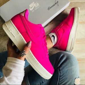 NWT Nike Air Force 1 Neon Pink